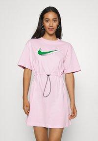 Nike Sportswear - DRESS - Žerzejové šaty - pink foam - 0