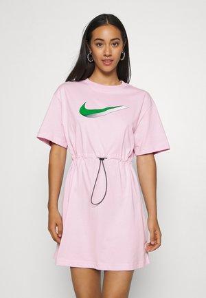 DRESS - Žerzejové šaty - pink foam