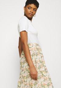 Vila - VIMILINA FLOWER SKIRT - Maxi skirt - sandshell - 4