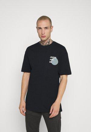 JJAARHUS TEE CREW NECK - T-shirt z nadrukiem - black