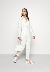 Never Fully Dressed - DAISY PRINT - Combinaison - cream - 1