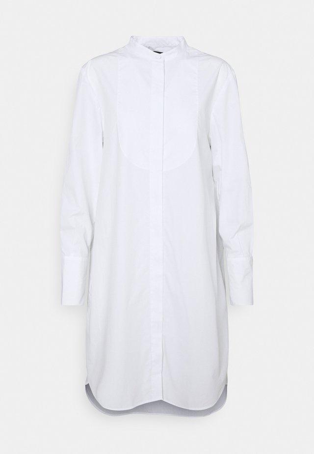 DRESS - Robe chemise - white