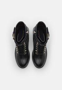 Les Tropéziennes par M Belarbi - ZARAFA - Platform ankle boots - noir - 5