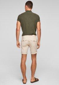 s.Oliver - Shorts - beige - 2