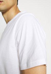 Pier One - 5 PACK - T-shirt basic - black/white - 6