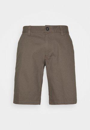 ESSEX - Sports shorts - dirt