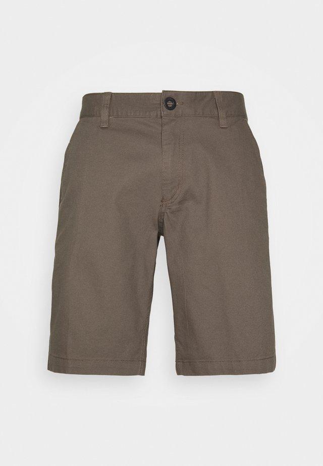 ESSEX - Pantalón corto de deporte - dirt