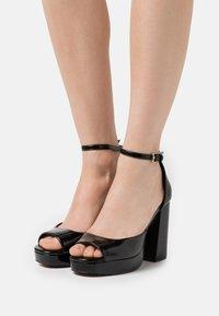 ONLY SHOES - ONLAERIN STRUCTURE  - Sandály na vysokém podpatku - black - 0