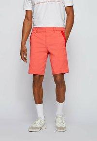 BOSS - LIEM - Shorts - open red - 0