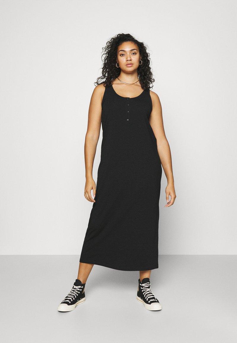 Mamalicious Curve - MLSIA TANK MAXI DRESS - Maxi dress - black