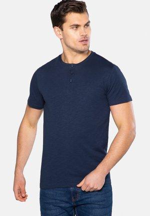 3 PACK - Basic T-shirt - grün