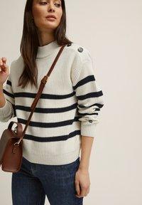 BONDELID - Jumper - offwhite stripe - 3