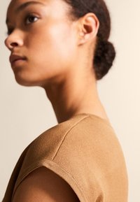Massimo Dutti - Basic T-shirt - brown - 5