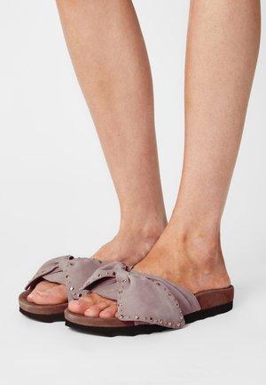 NOVA  - Pantofle - nude