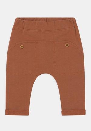 GO UNISEX - Pantalon classique - ochre