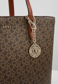DKNY - BRYANT MEDIUM TOTE LOGO - Handbag - mocha /caramel - 7