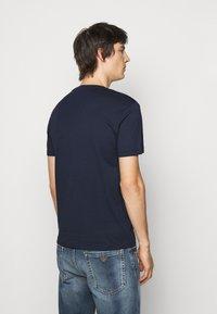 EA7 Emporio Armani - Print T-shirt - dark blue - 2