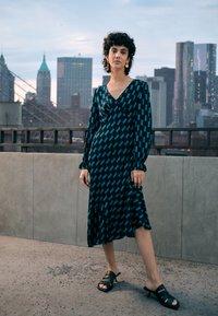 Diane von Furstenberg - MANAL DRESS - Day dress - mirrors medium dark ocean - 1