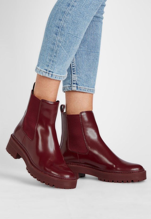 TOBY - Boots à talons - weinrot