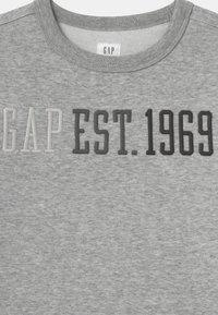 GAP - BOY LOGO CREW - Sweater - light heather grey - 2