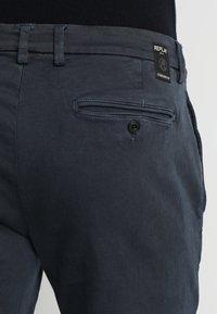 Replay - ZEUMAR HYPERFLEX  - Jeans slim fit - black - 4