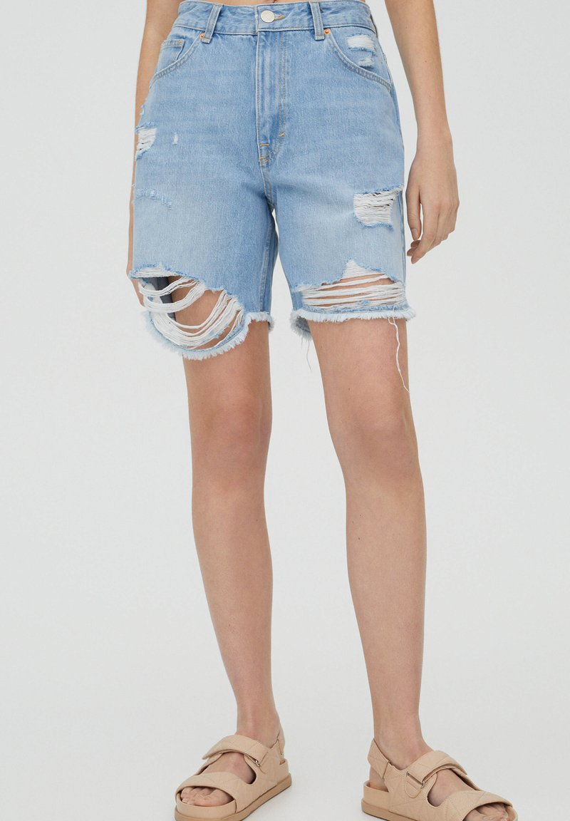 PULL&BEAR - Shorts di jeans - blue