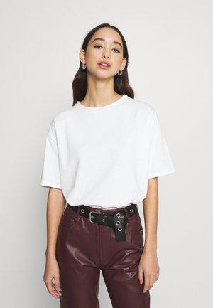 BOXY TEE - T-shirts basic - white