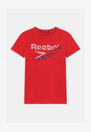 STRIATED CLASSIC  - Camiseta estampada - red