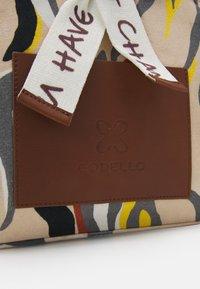 Codello - TIGER HIGH - Handbag - beige - 3
