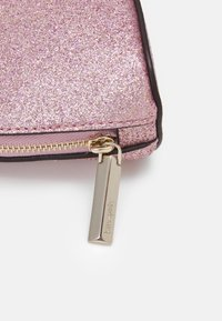 kate spade new york - SMALL DOME COSMETIC - Wash bag - rose gold - 3
