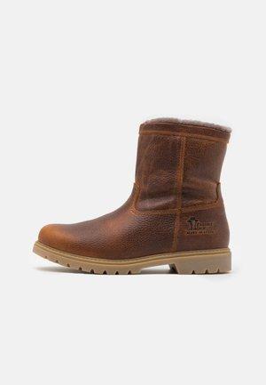 FEDRO IGLOO - Winter boots - bark