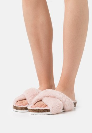 Slippers - light pink