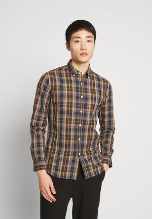 BREWER TARTAN - Camicia - brownie