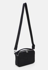 ARKET - BAG - Sac bandoulière - black dark - 1