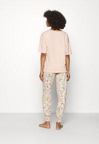 Marks & Spencer London - LOVE  - Pijama - peach mix - 2