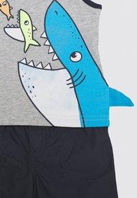 Carter's - SHARK 3D SET - Shorts - multi-coloured - 3