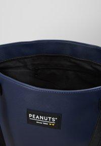 Kidzroom - SNOOPY FOREVER FAMOUS SHOPPER - Tote bag - dark blue - 4