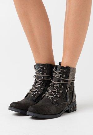 Šněrovací kotníkové boty - dunkelgrau