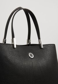 Tommy Hilfiger - CORE SATCHEL - Handbag - black - 6