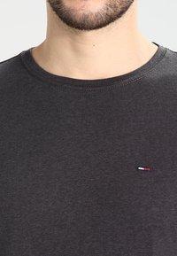 Tommy Jeans - ORIGINAL TRIBLEND REGULAR FIT - Camiseta básica - tommy black - 3