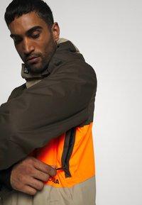 DC Shoes - DEFY JACKET - Snowboard jacket - brown - 4