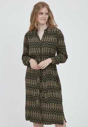 Sukienka koszulowa - green ink mix