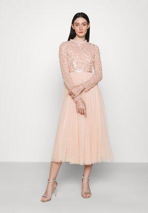 TEMPEST BODICE BALLERINA DRESS - Společenské šaty - apricot