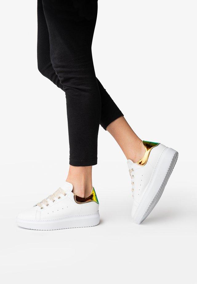GALA - Zapatillas skate - vitrail white