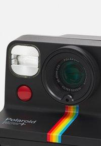 Polaroid - NOW+ UNISEX - Camera - black - 8