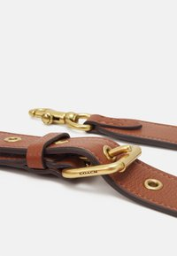 Coach - BADGE CAMERA CROSSBODY - Across body bag - saddle - 4