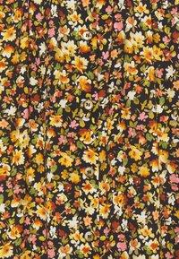 Progetto Quid - AQUILEGIA - A-line skirt - bouquet black - 2
