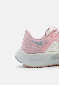 Nike Performance - AIR ZOOM PEGASUS 38 - Zapatillas de running neutras - sail/ocean cube/pink glaze/crimson bliss/champagne/photon dust - 5