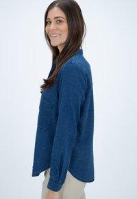 CLOSED - HAILEY - Button-down blouse - blue - 3