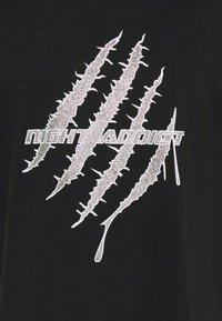 Night Addict - GLITTER - Print T-shirt - black - 6